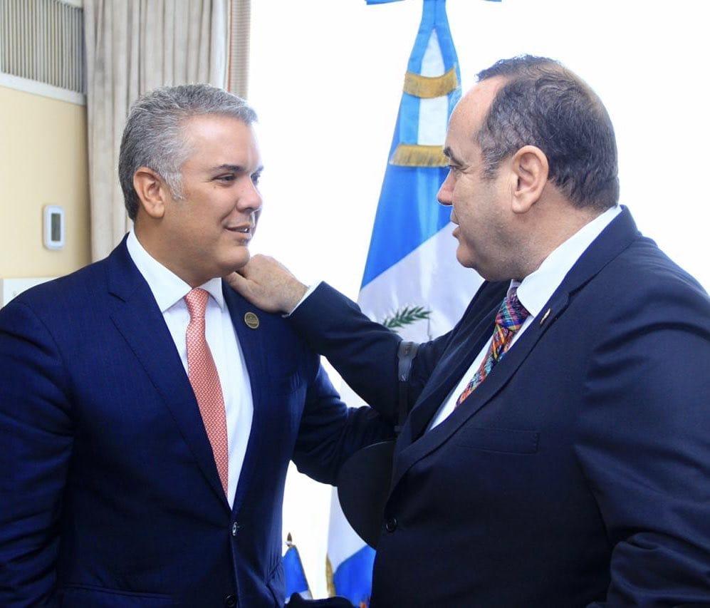 Giammattei anuncia cooperación militar antidrogas con Colombia