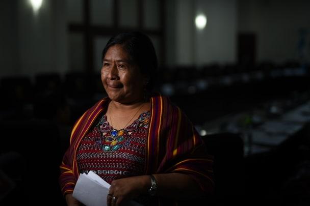 Diputada Vicenta Jerónimo renunció al seguro médico, celular y caja chica