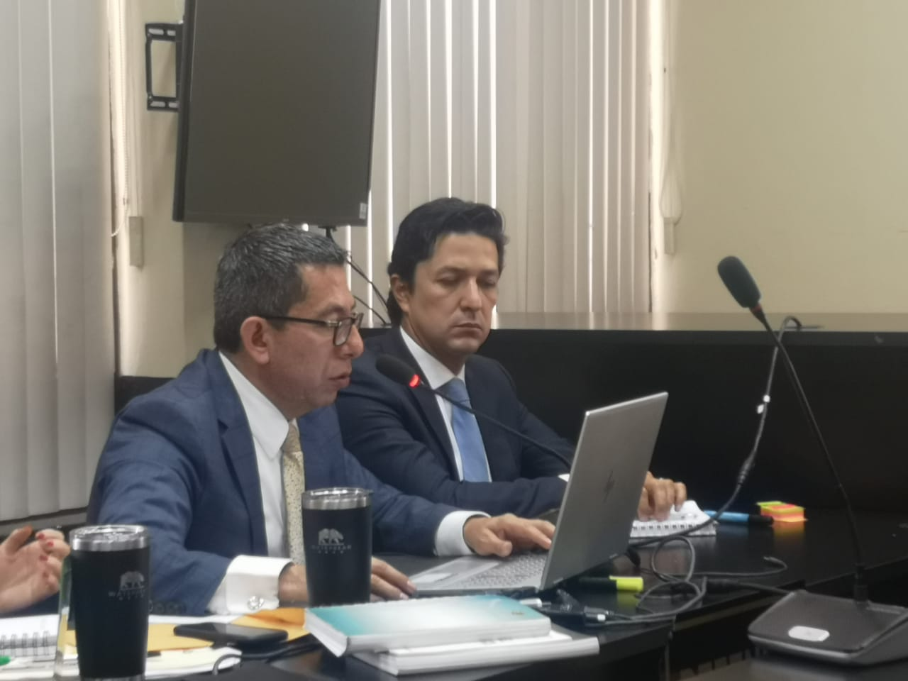 Ligan a proceso a exministro de Finanzas Víctor Martínez