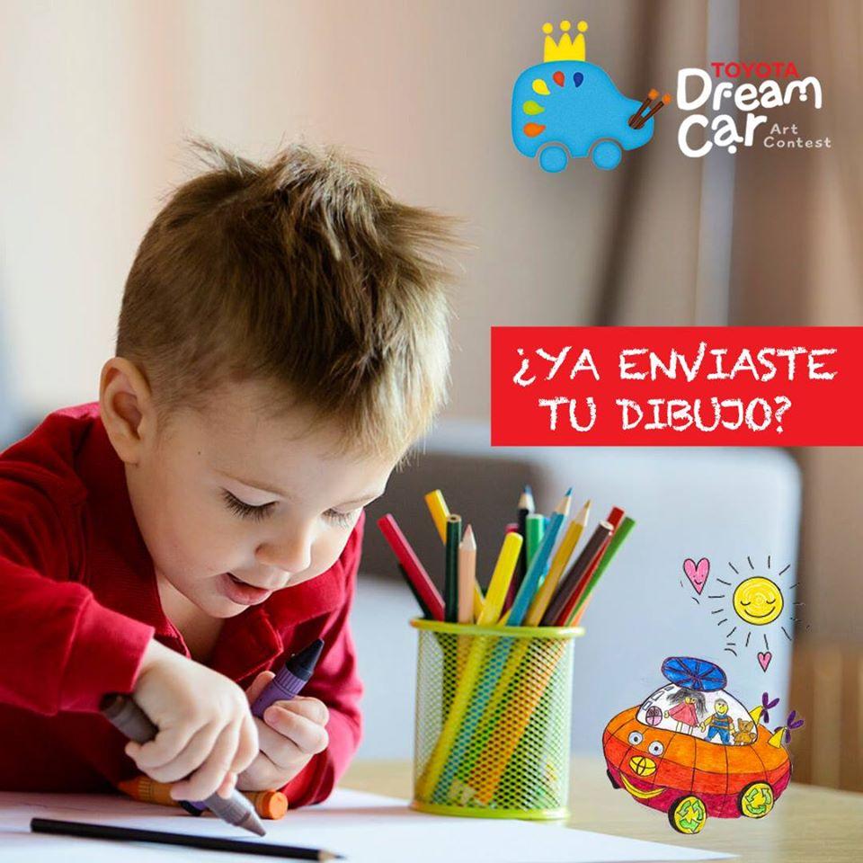Niños dibujando toyota