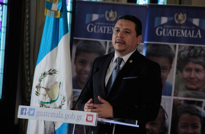 Óscar Dávila, comisionado contra la corrupción, da a conocer detalles de investigación en Caminos.