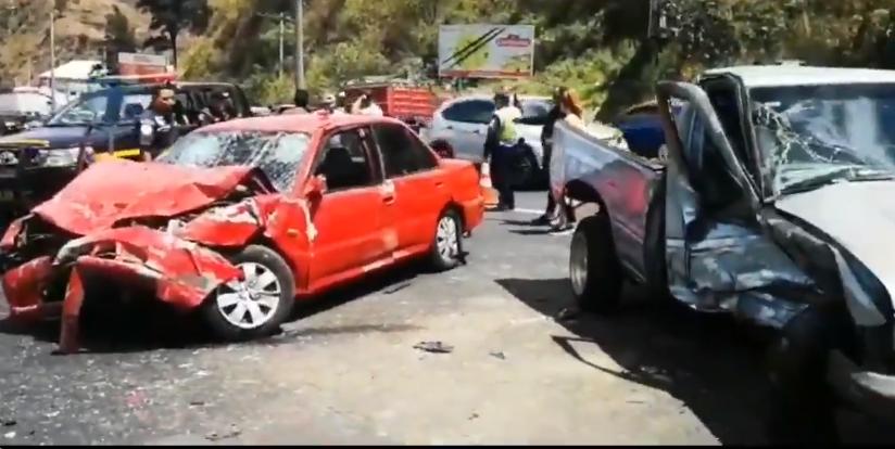 Aparatoso accidente en ruta hacia Villa Nueva deja un muerto