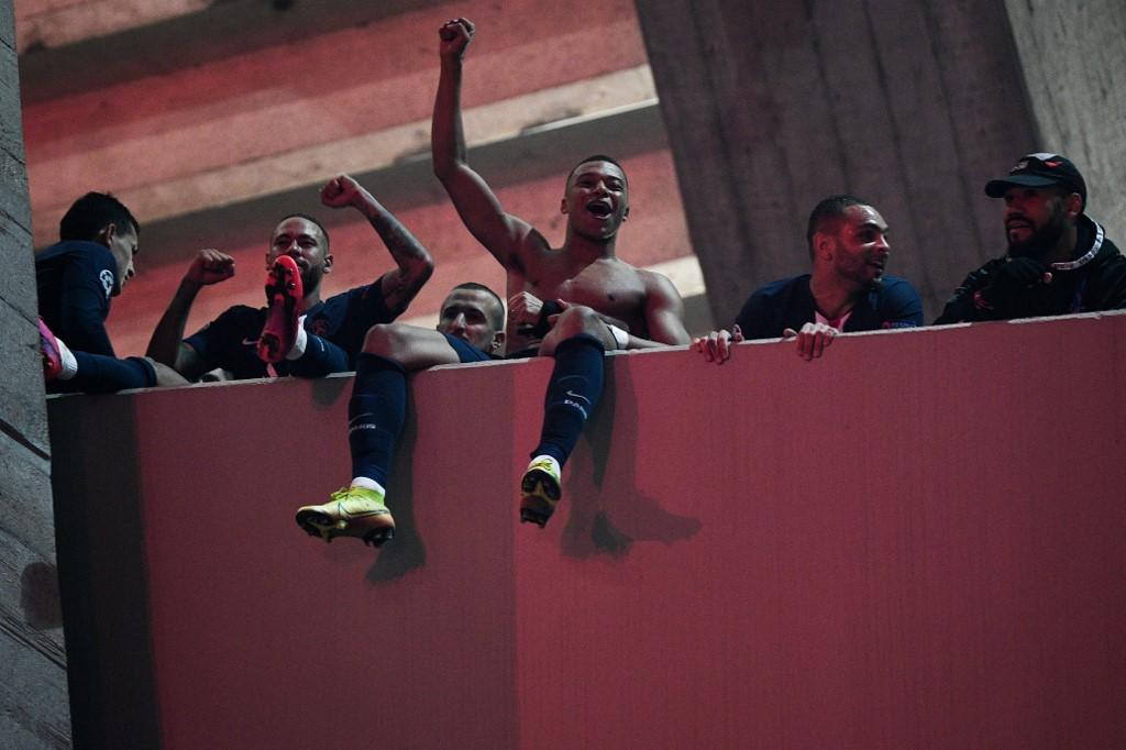 Celebración jugadores del PSG octavos de final Champions