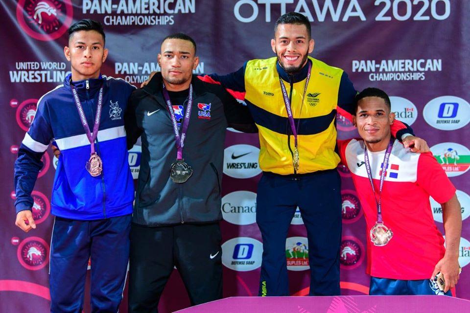 Emerson Ordóñez gana medalla en el Panamericano de lucha de Ottowa