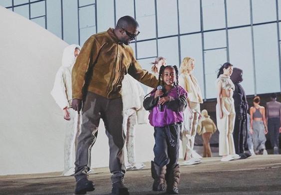 La hija de Kanye West y Kim Kardashian arrasa las redes al rapear por primera vez
