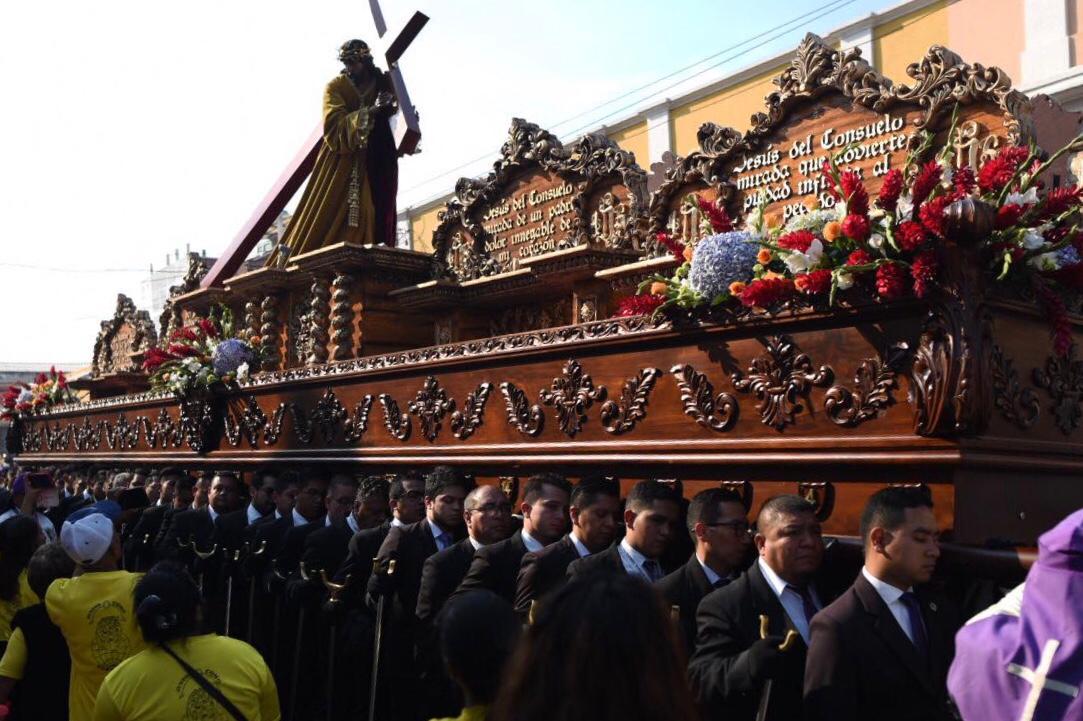 Jesús Nazareno del Consuelo recorre las calles del Centro Histórico