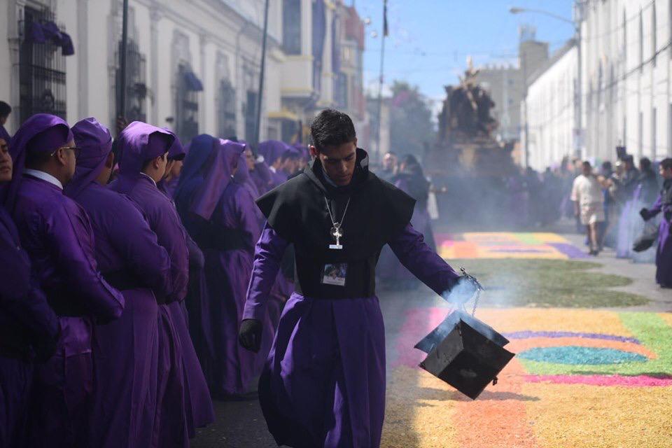 Suspenden cortejos procesionales y entrega de turnos