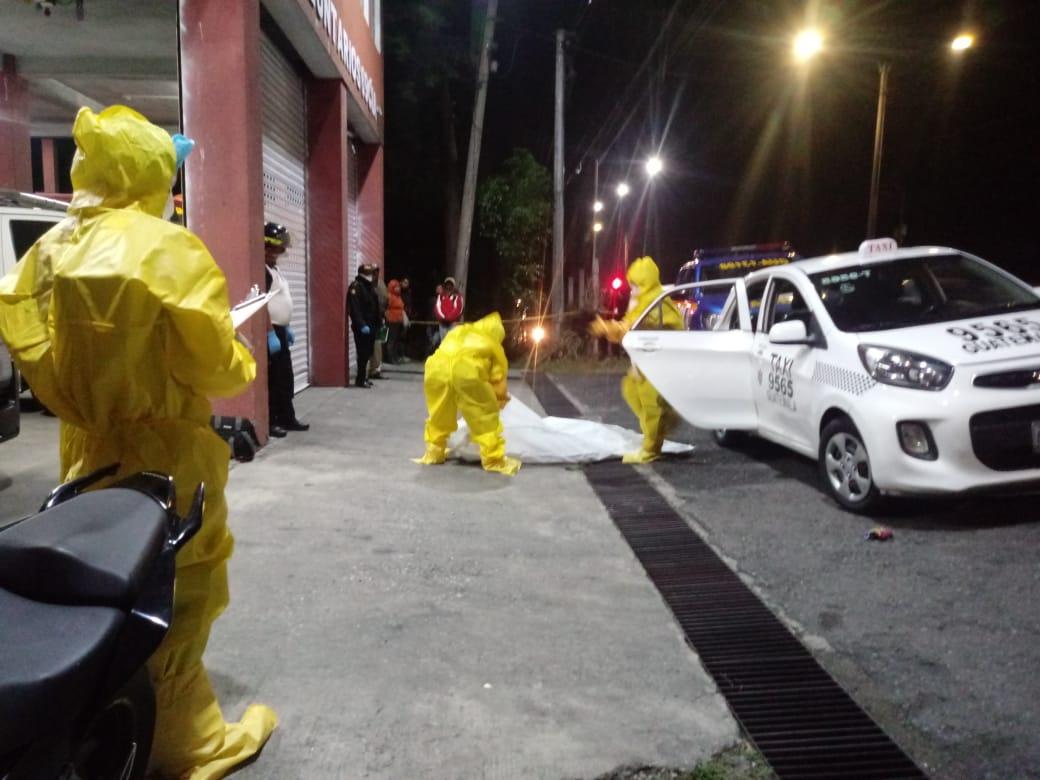 Mujer fallecida dentro de taxi por fiebre