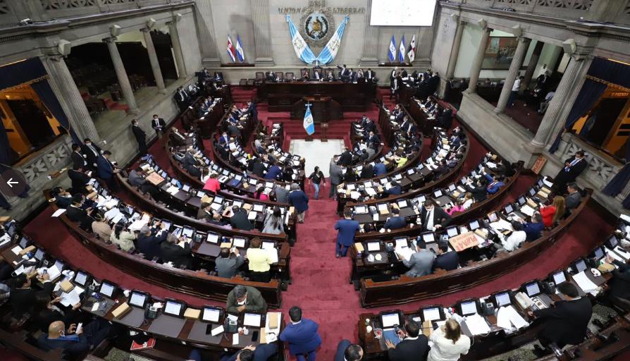 Congreso aprueba Q11 mil millones para la Ley de Emergencia por el coronavirus