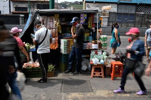 Emergencia por coronavirus refuerza a Maduro y neutraliza a Guaidó