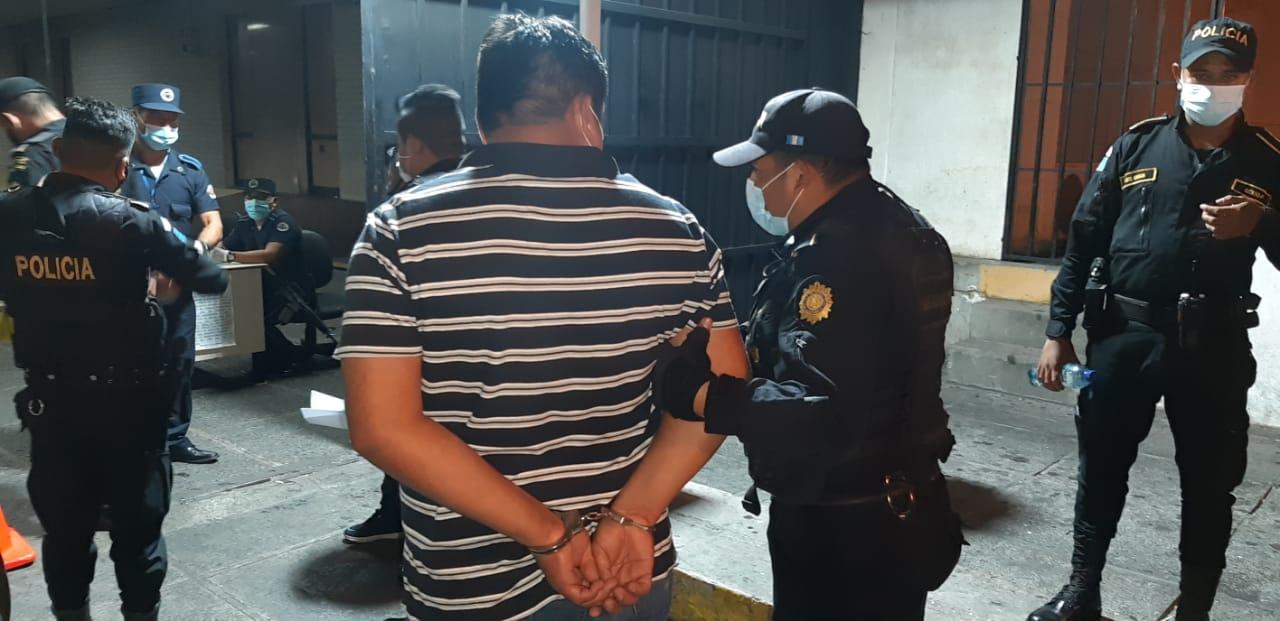 Más de 12 mil guatemaltecos detenidos por infringir toque de queda