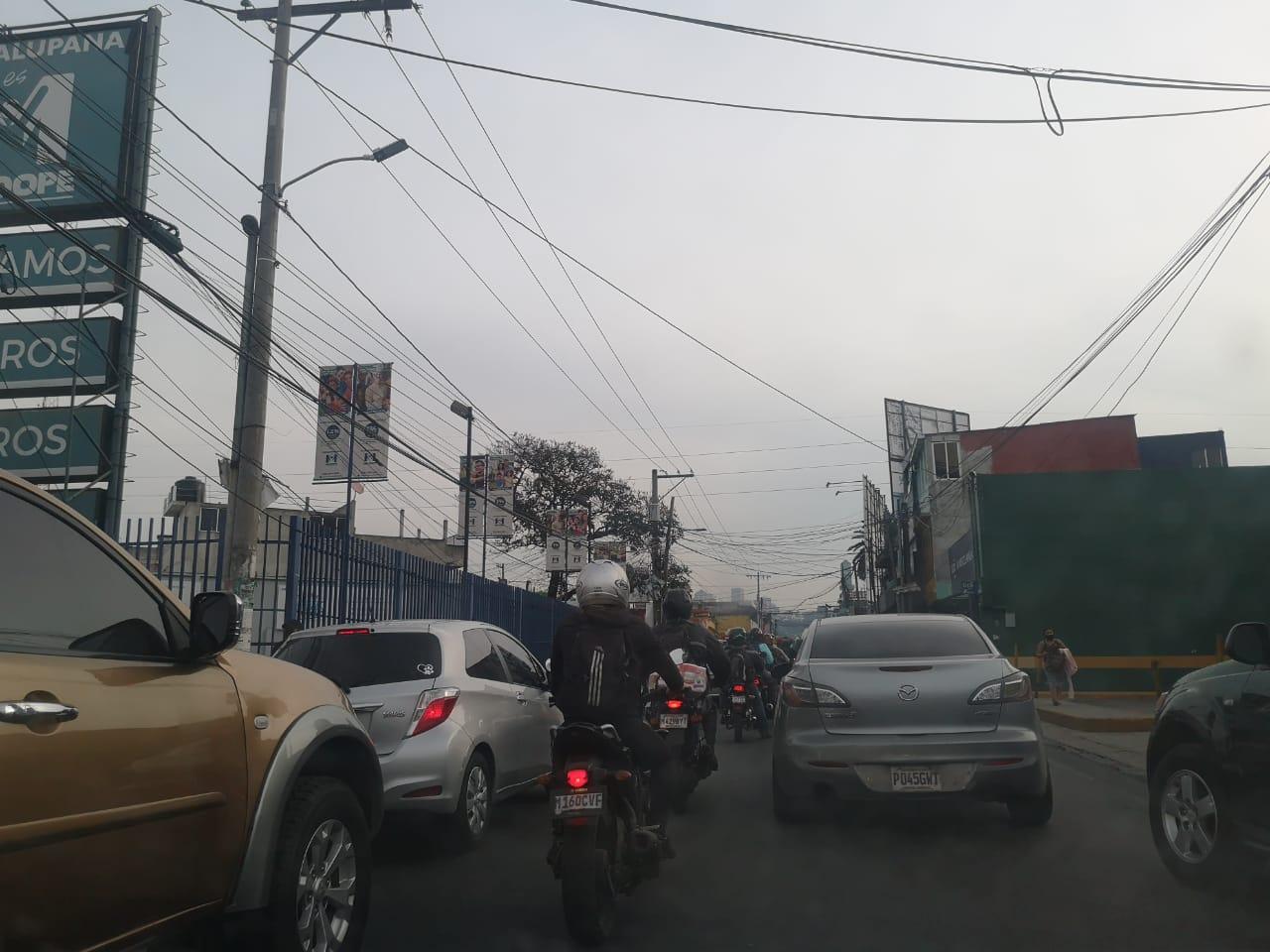 Complicaciones de tránsito en los ingresos a la Capital