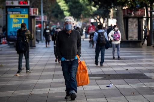 Coronavirus: Cuarentena total en Santiago tras aumento en 60% de casos en Chile