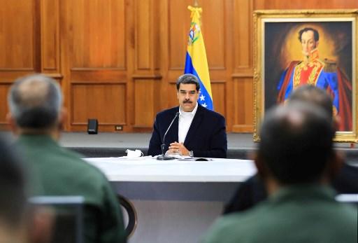 "Dos estadounidenses detenidos en Venezuela por fallida ""invasión"", dice Maduro"