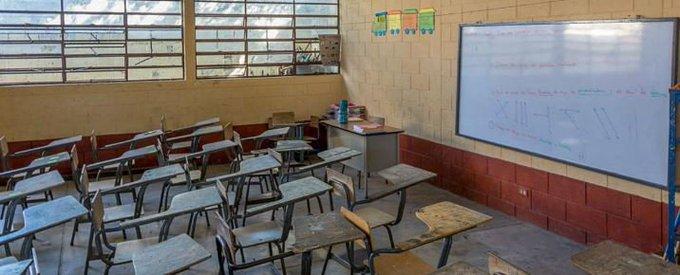 """Giammattei: """"No es momento de abrir las escuelas"""""""