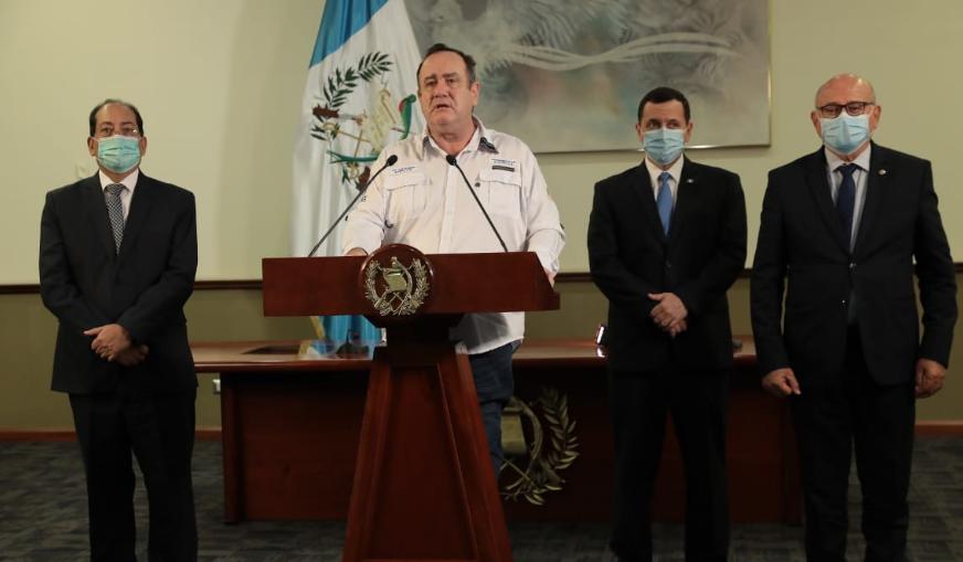 Presidente indica que sistema bancario otorgará diferimiento de cuotas de créditos adquiridos