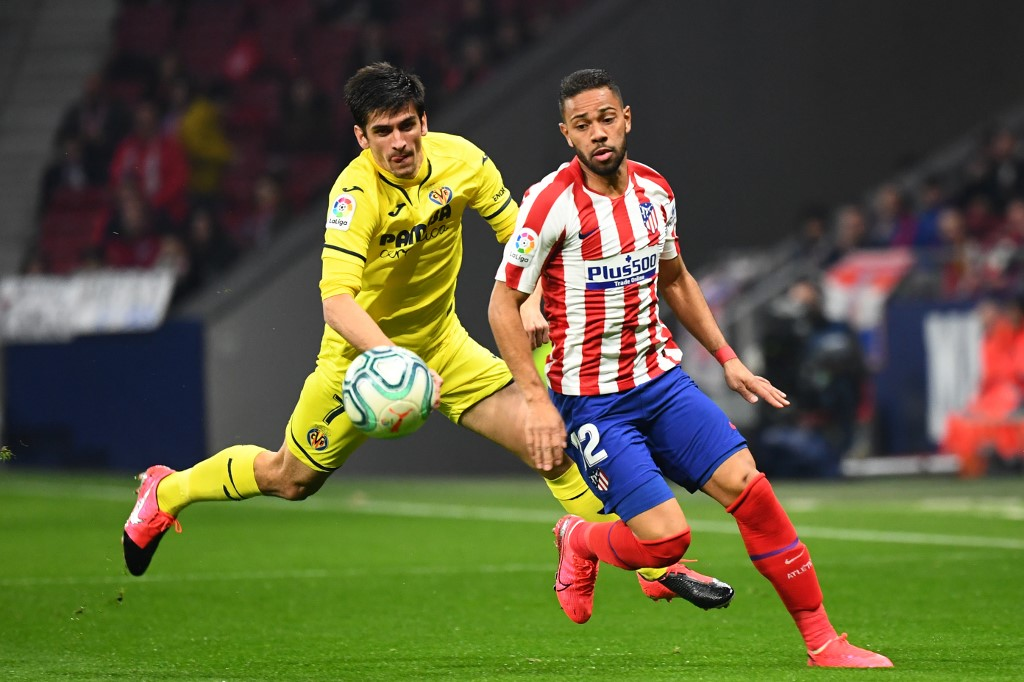 Renan Lodi, jugador del Atlético, da positivo
