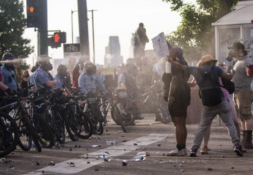 Minneapolis protestas violentas por la muerte de un afroamericano