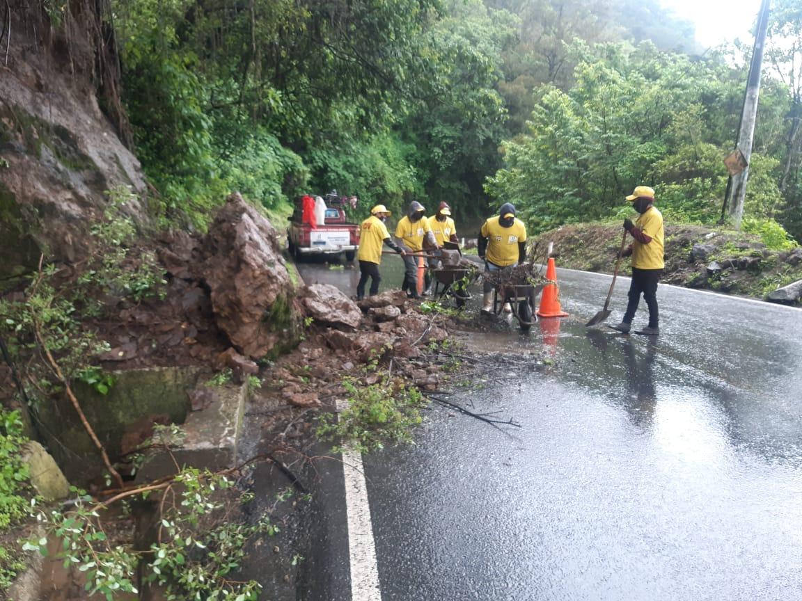 Reportan varios incidentes provocados por las lluvias de tormenta Amanda