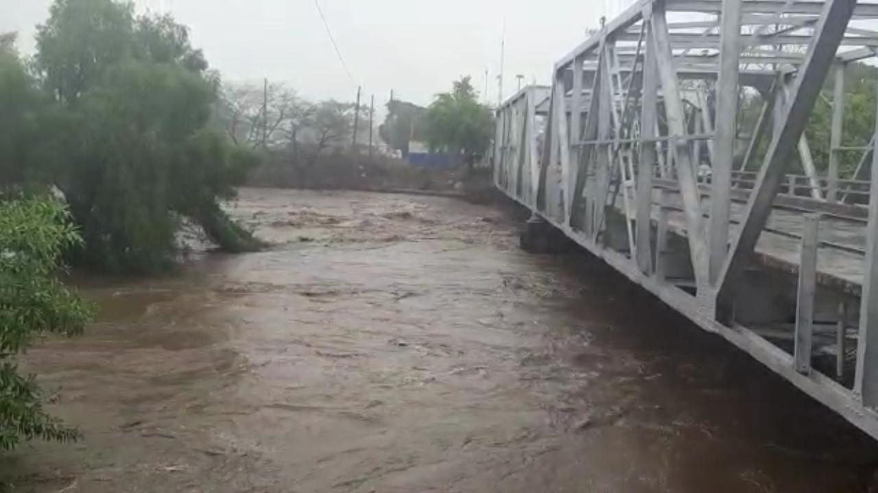 Guatemala y El Salvador suspenden operaciones en aduanas ante emergencia por lluvia