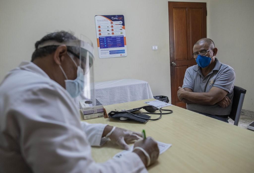 Despiden a médicos por criticar manejo de la pandemia en Nicaragua