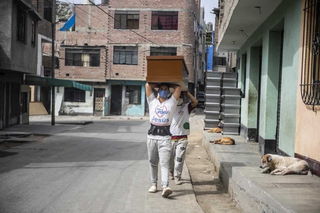 Un tercio de los jóvenes latinoamericanos resta importancia al coronavirus