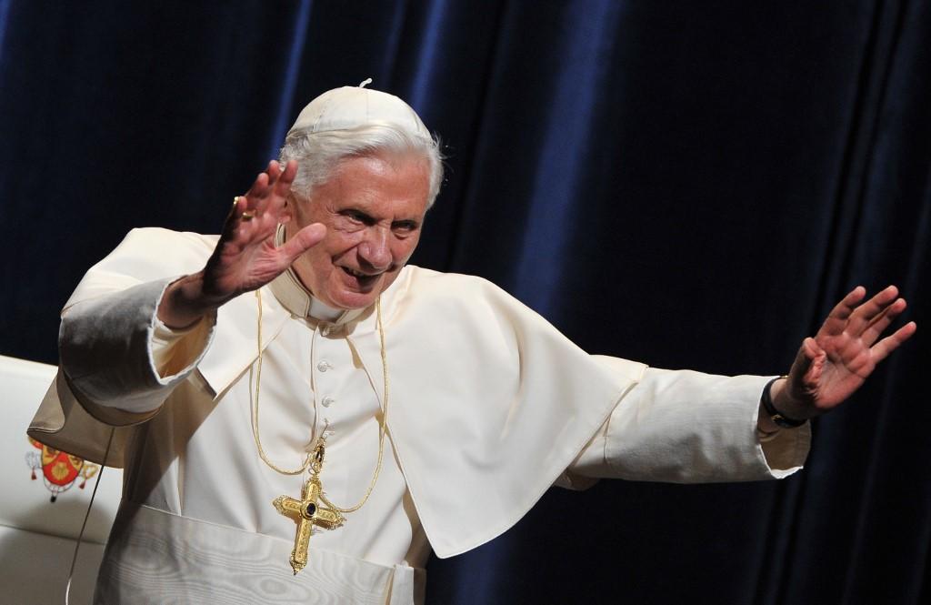 Así luce el papa emérito Benedicto XVI quien viajó a visitar a su hermano enfermo