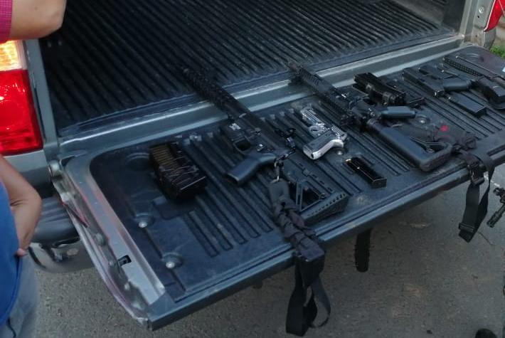 Estado de Sitio: capturan a tres e incautan armamento transportado en vehículo