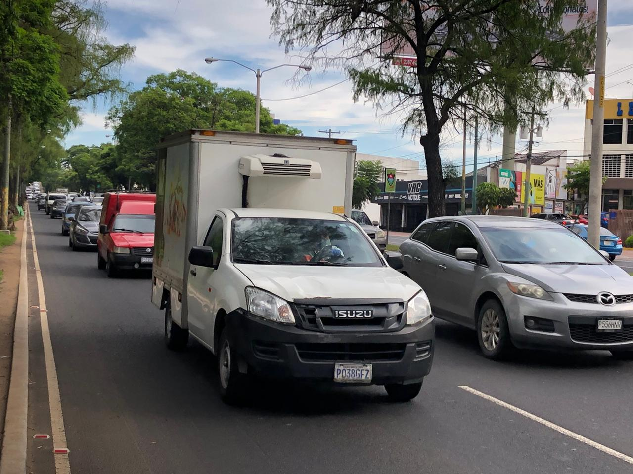 Emiten más de un centenar de multas a vehículos por número de placa