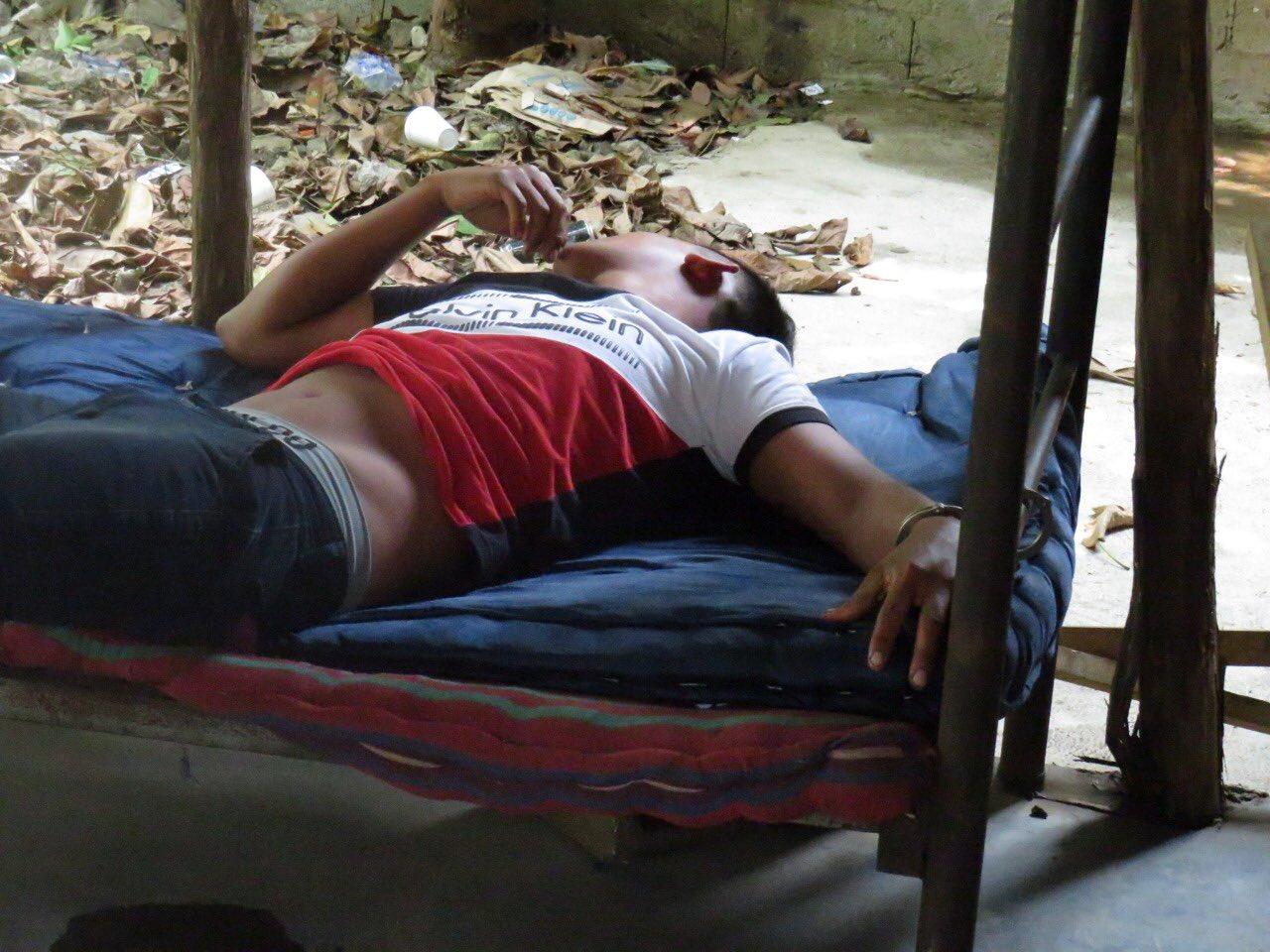 Localizan a persona detenida engrilletada a una cama desde hace cuatro días y sin alimentación