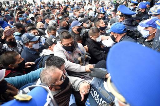 México inicia reapertura económica con su presidente en gira nacional