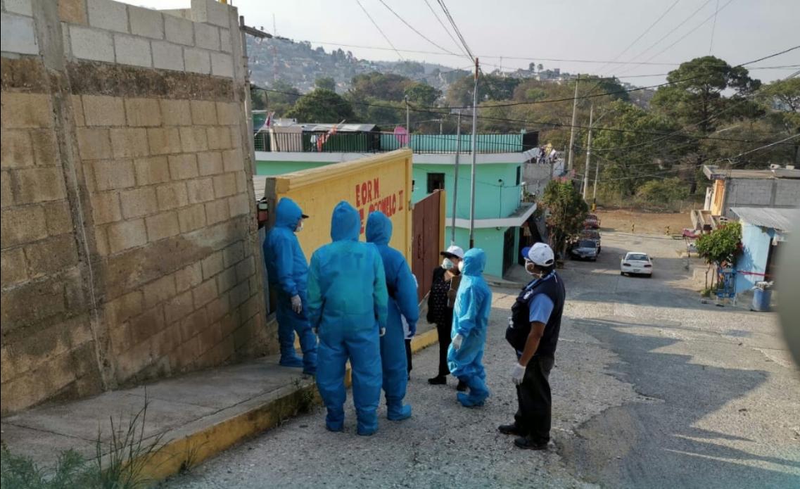 Salud levanta cordón sanitario en colonia Monte Carmelo en San Juan Sacatepéquez