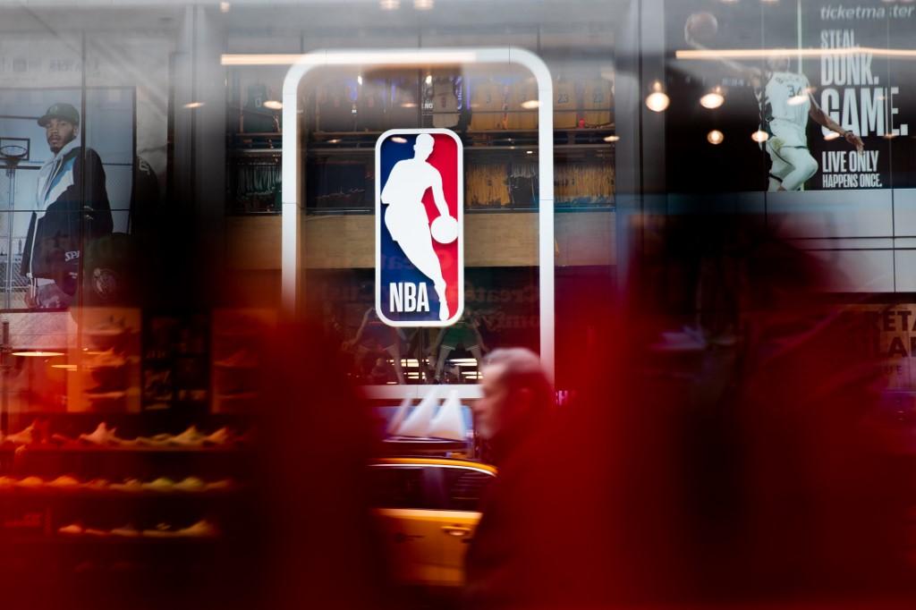 Temporada de la NBA en duda por rebote de coronavirus