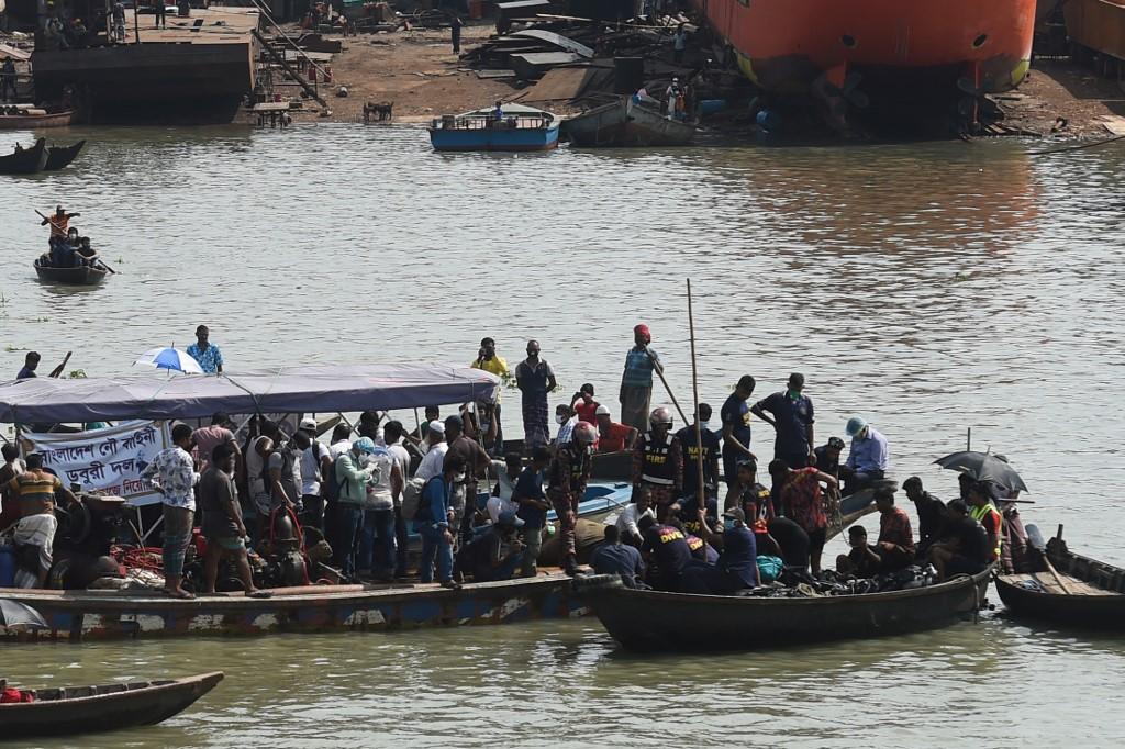 Accidente de transbordador en Bangladés