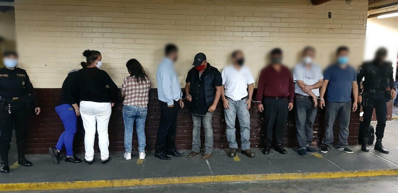 Capturan a nueve personas por reunión clandestina y escándalo