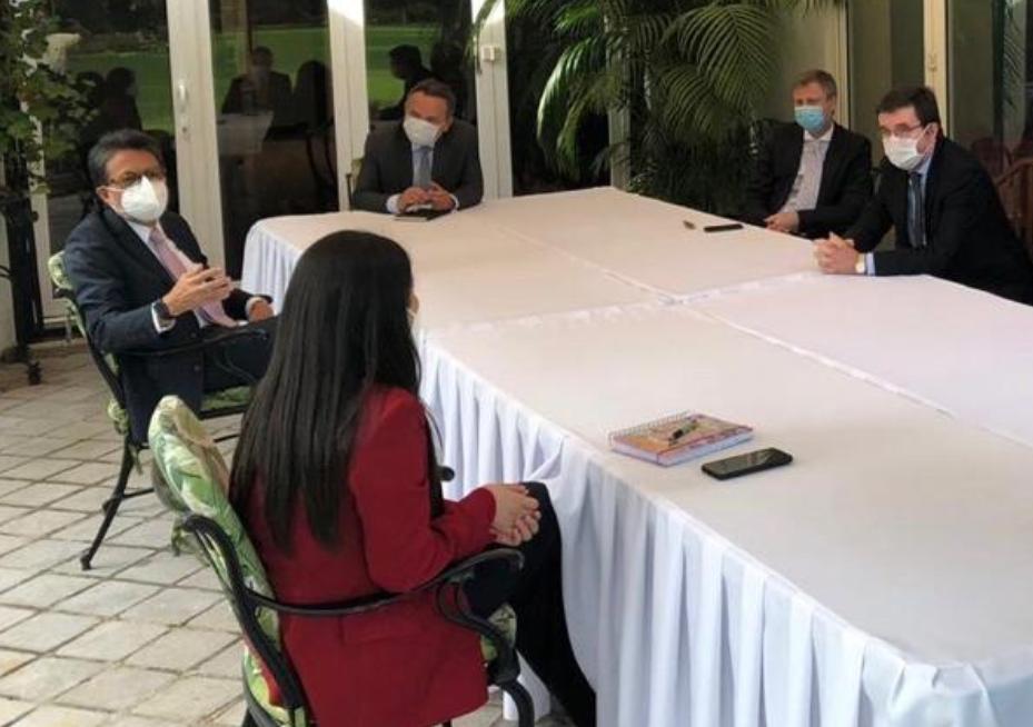 Embajadores se reúnen con jueza Erika Aifán y ofrecen su respaldo