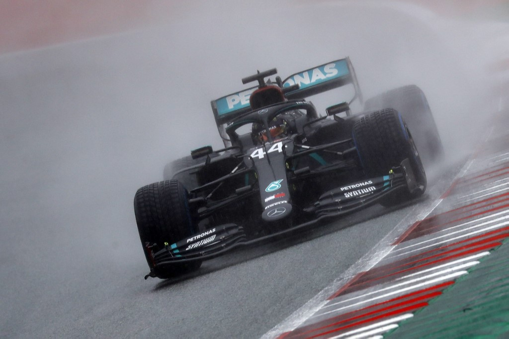 Hamilton gana la pole position de Estiria