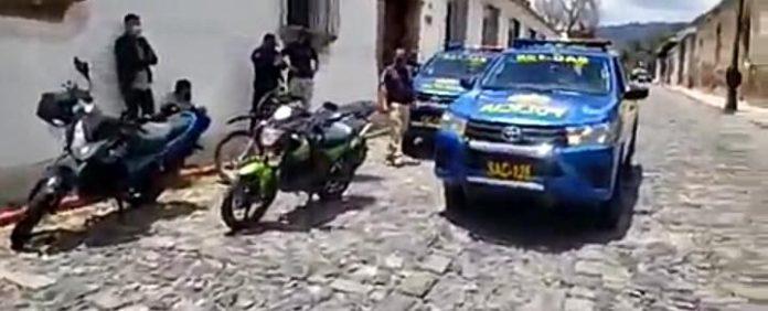 motoristas capturados po carrera clandestina en Antigua Guatemala
