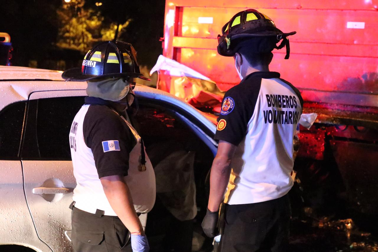 piloto de carro muere por accidente en zona 14