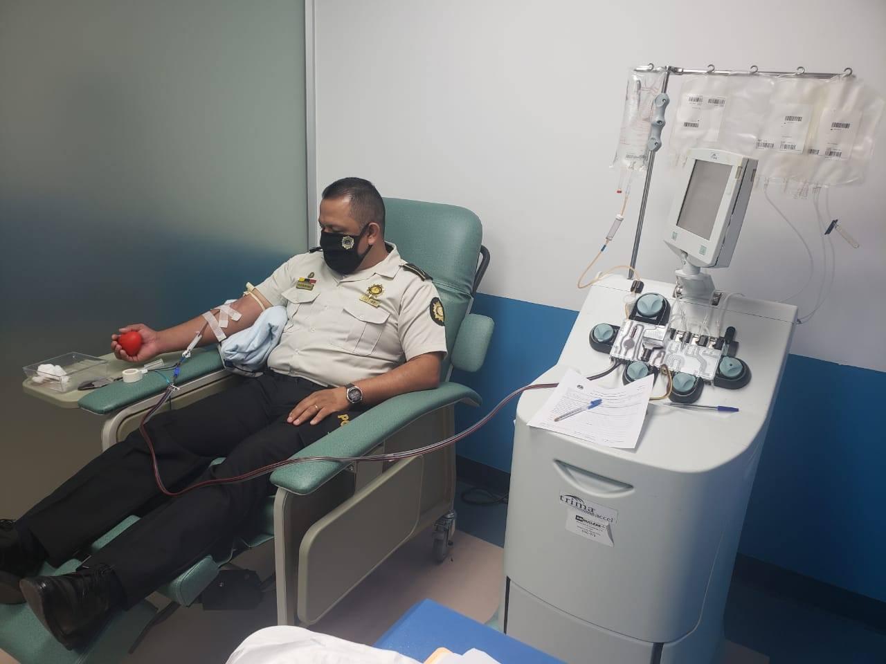 agentes de PNC que tuvieron Covid-19 donan plasma