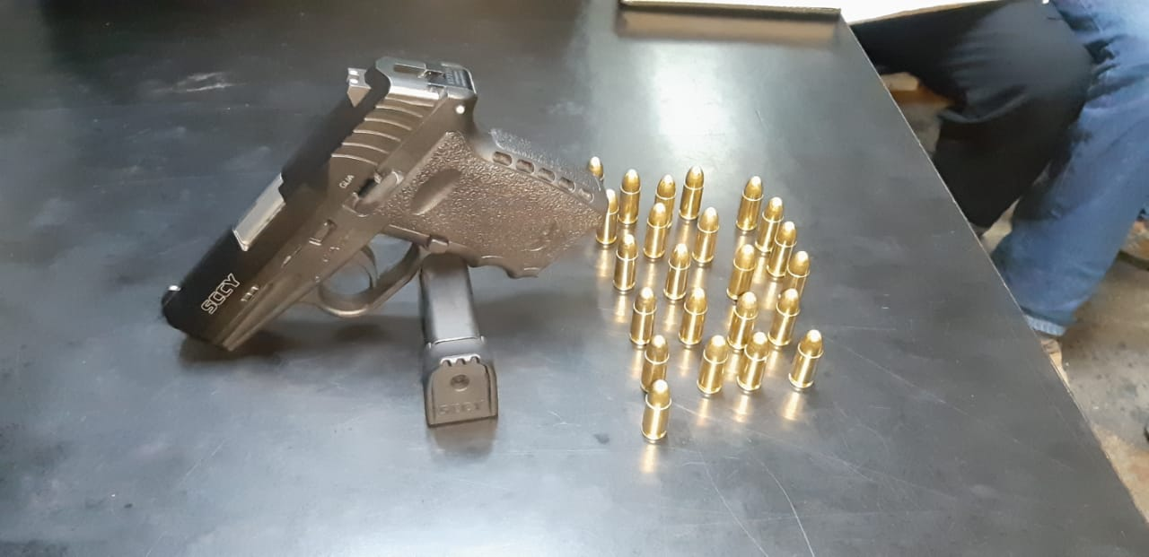 Arma incautada a hermanos Pérez Méndez