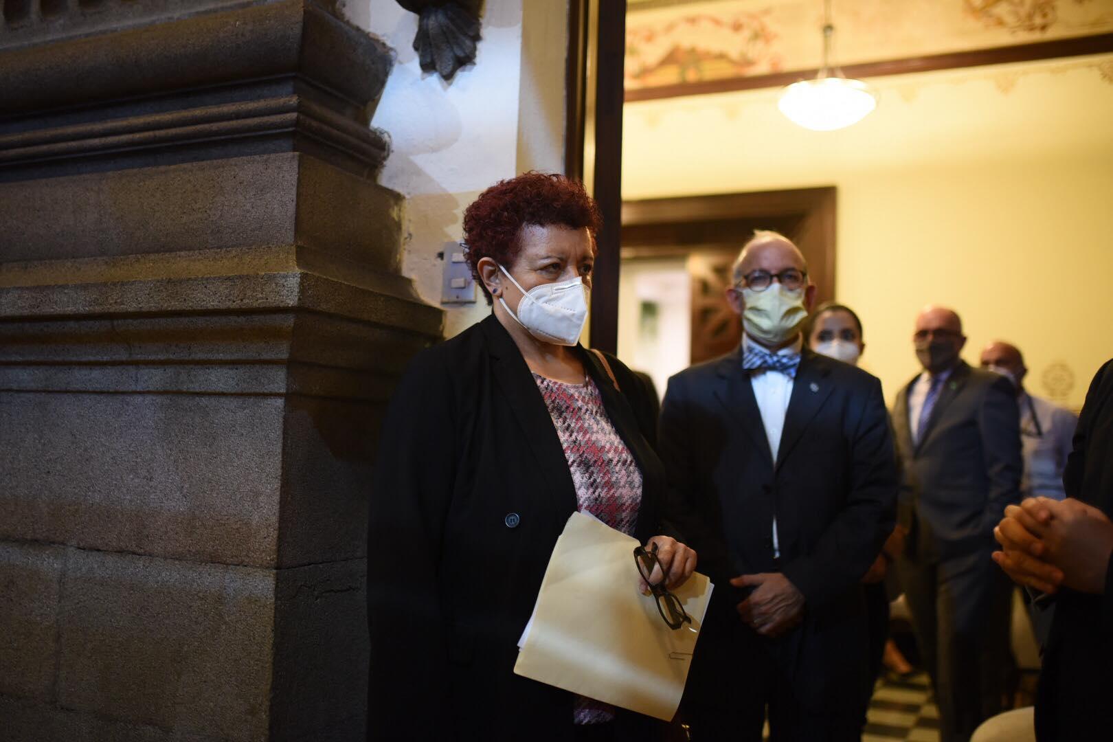 Autoridades del MInisterio de Salud y Coprecovid presentan informe al Congreso