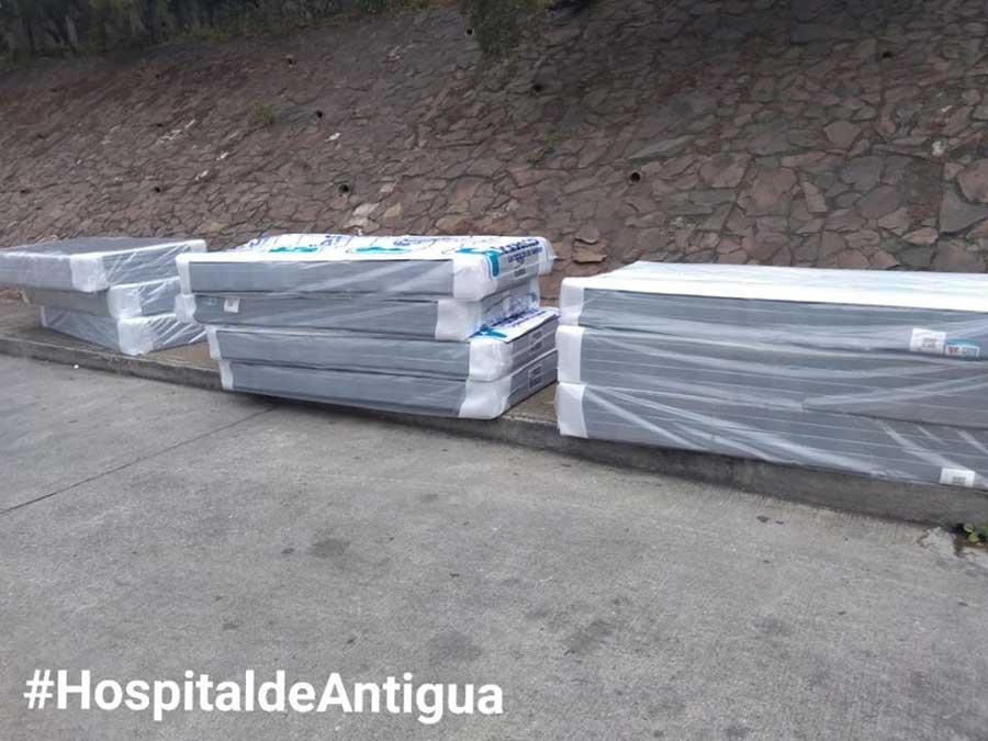 Hospital Pedro de Bethancourt recibe donativo de camas