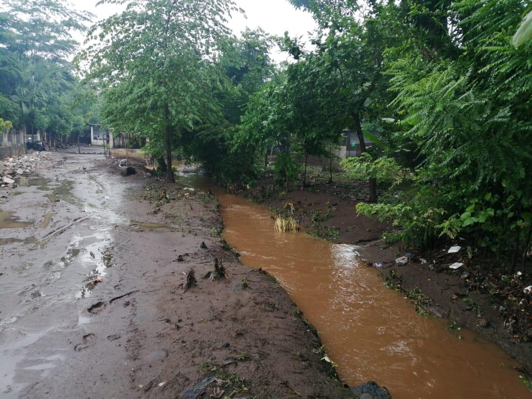 Inundaciones por lluvias provocadas por Onda del Este