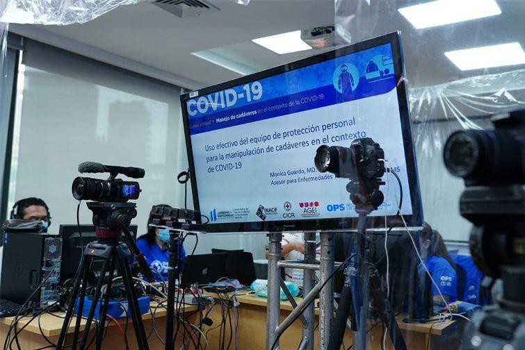 Personal de salud es capacitado en manejo de cadáveres de víctimas del Covid-19