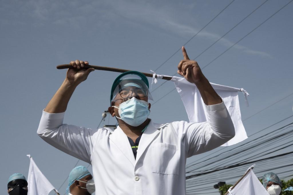 Marchan en El Salvador para exigir cuarentena por COVID-19