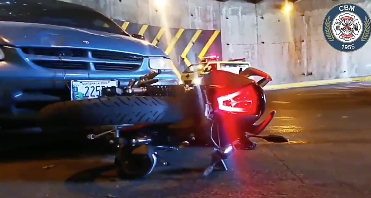 Motorista muere tras ser atropellado en la zona 10
