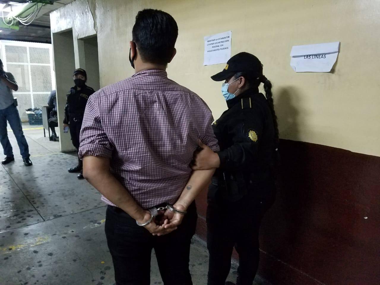 mujer capturada en zona 1 se vestía de hombre para evadir a la justicia