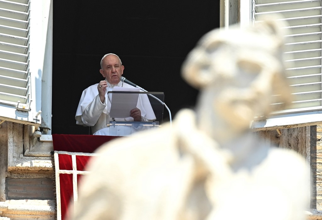 Papa Francisco en la plaza de San Pedro