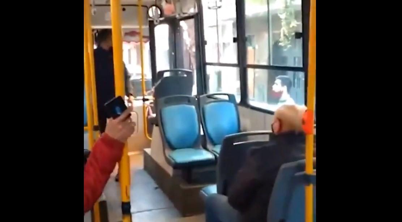 Chofer de bus se enfrena a ladrones en Argentina